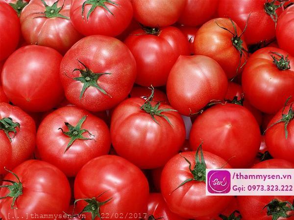 tẩy lông mặt bằng cà chua