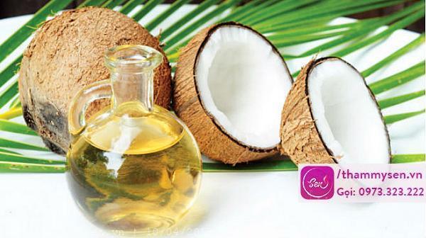 Tắm trắng toàn thân bằng dầu dừa